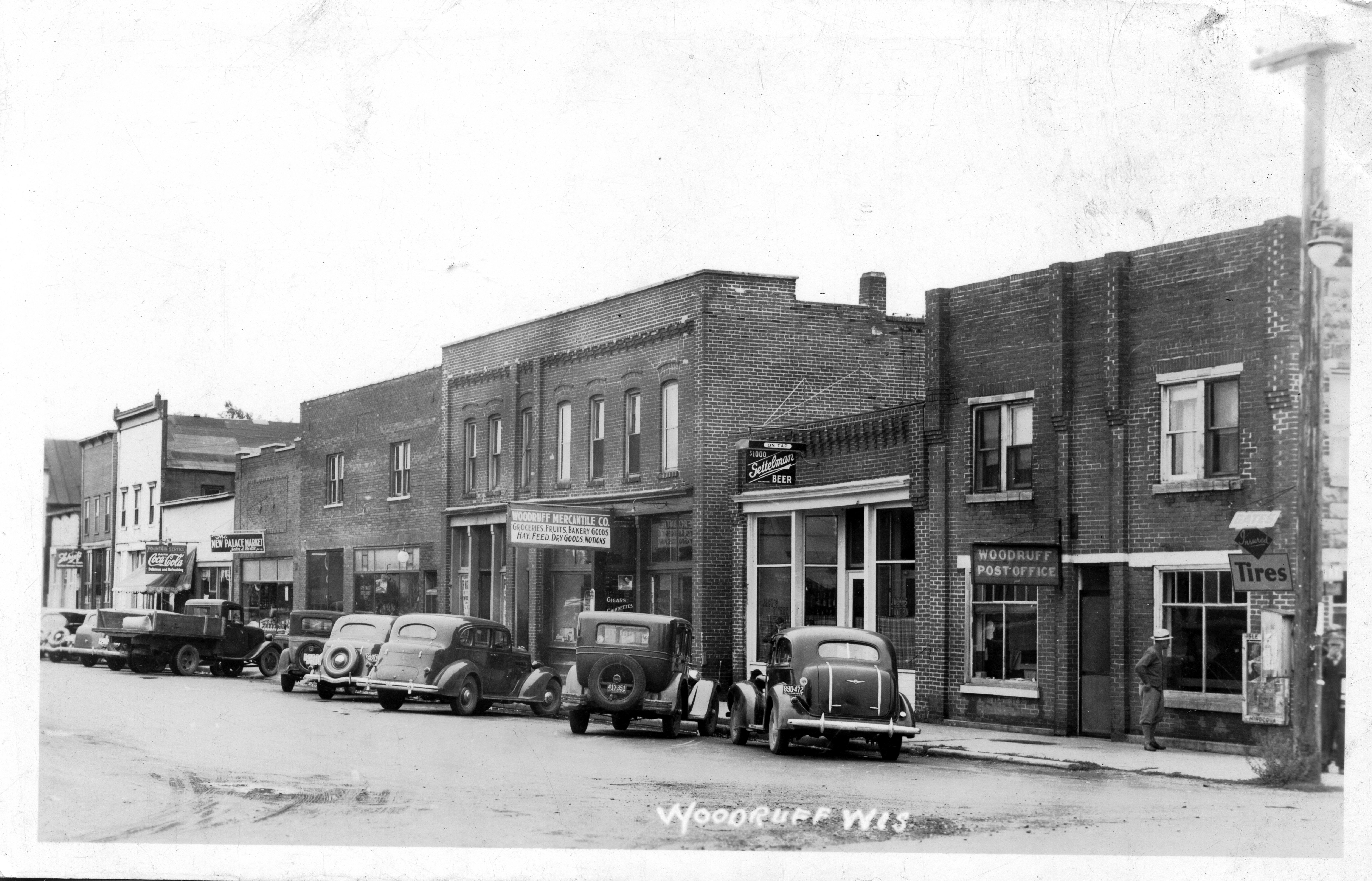 Main Street, Woodruff (Hwy. 47) in the 1940s. Courtesy of Minocqua Museum
